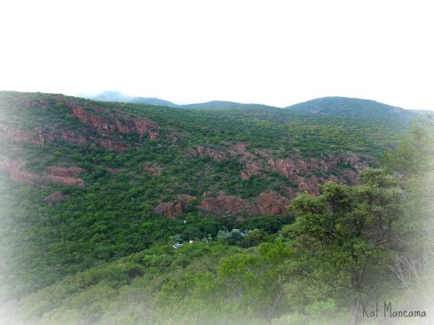 Mashovela Lodge, barely visible in its hideaway deep in the valley